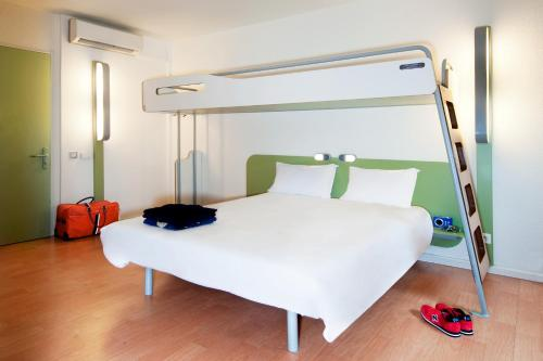 ibis budget Valenciennes : Hotel proche d'Oisy