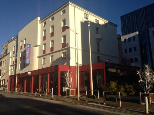 Hotel The Originals Oyonnax Central Parc (ex Inter-Hotel) : Hotel proche de Bellignat
