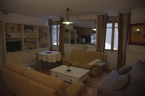Le Square : Appartement proche de Saint-Julien-Molin-Molette