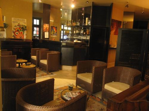 Hotel Des 3 Marchands : Hotel proche