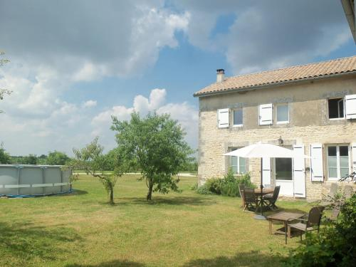 Charente Bed and Breakfast : Chambres d'hotes/B&B proche de Villiers-le-Roux
