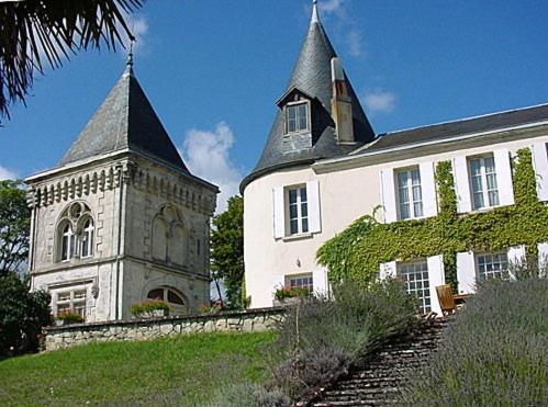 Chateau Lague : Hebergement proche de Saillans