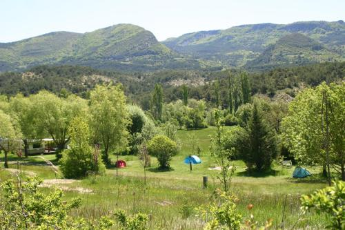 Camping des Catoyes : Hebergement proche d'Orpierre