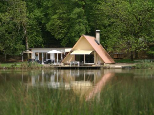 Holiday home Maison Delain : Hebergement proche de Saint-Broing