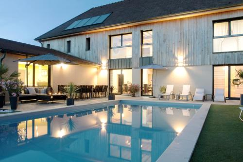 Ome sweet home : Chambres d'hotes/B&B proche de Rouilly-Sacey