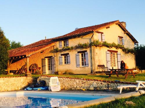 Holiday Home in Verteillacli : Hebergement proche de Saint-Martial-Viveyrol