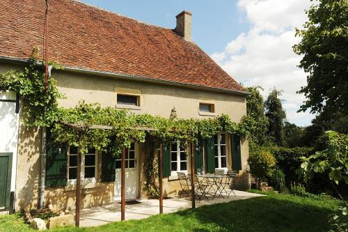 Kimaro Farmhouse Holiday Cottage : Hebergement proche de Champlemy