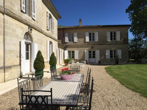 Chateau Du Payre : Chambres d'hotes/B&B proche d'Omet