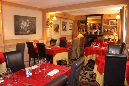 Hostellerie Du Prieure : Hotel proche d'Andilly
