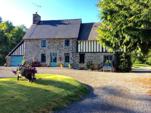 Maison May Luxury B&B : Chambres d'hotes/B&B proche de Le Grand-Celland