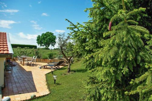 Holiday Home Rue du Bois : Hebergement proche d'Outines