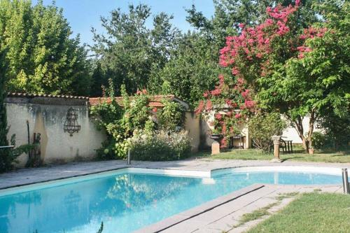 Holiday Home Route de Vire : Hebergement proche de Touzac